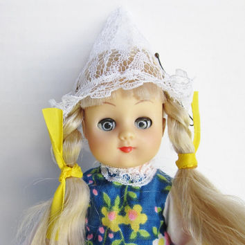 Vintage Dolls Of All Nations, Holland