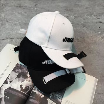 Unisex Personality Fashion Embroidery Letter Flat Cap Hip-hop Baseball Cap Couple Sun Hat