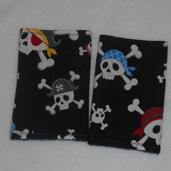 Teething Pads/Dribble/Drool Chew Pad For Baby Carriers/Ergo/Baby Bjorn/Skull Pirates