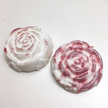 2 Piece Pina Colada & Strawberry Infused Bath Bombs