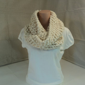 Handcrafted Cowl Wrap Cream Textured Merino Wool Infinity Female Adult -- New No Tags
