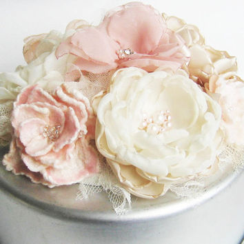 Cake topper fabric and nuno flowers . Champagne, dusky pink, ivory and lace . custom colors too . Wedding cake decoration