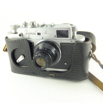 Zorki 4 - Vintage Russian Rangefinder Camera 35mm Film, Strange Lens, Made in USSR, NOT WORKING