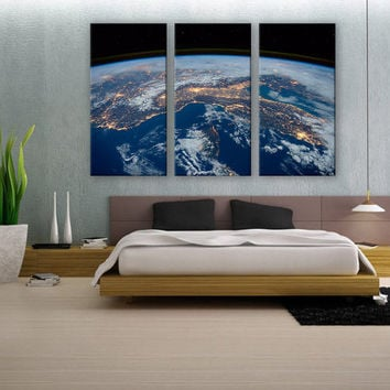 Space Station Earth Vew Canvas Print 3 Panels Print Art Wall Deco Fine Art Photography Repro Print for Home and Office Wall Decoration