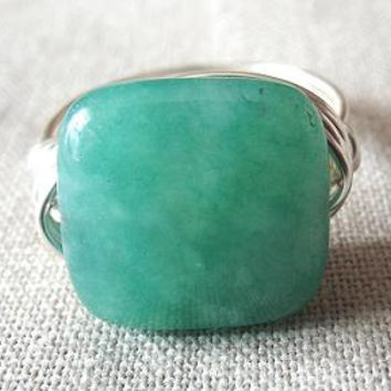 Green Aventurine ring, green stone ring, square stone ring, wire wrap ring, boho ring, gift for girlfriend, simple ring, pepperandpomme