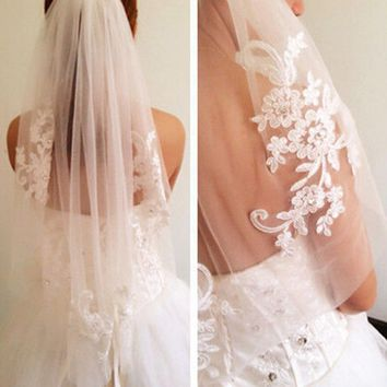 White Ivory Lace Appliques And Rhinestone Bridal Veil with Comb