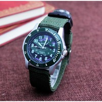 New Super Light Luminous Quartz Kids Sports Watch Canvas Military Wristwatch For Boy Students Christmas Nylon Band ArmyGreen