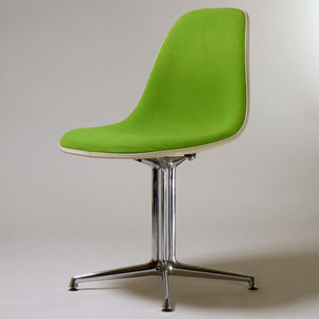 Herman Miller, Side Chair  La Fonda Base Charles Eames Vitra green 70s