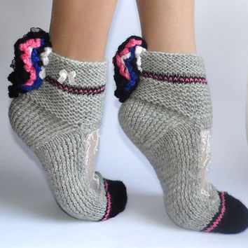 White Chantilly lace Hand knitted and hand beaded Gray Pink Teen Girls Women warm Winter  Socks in Gift Box Free Shipping