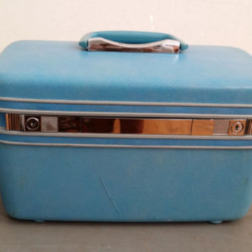 Vintage Turquoise Blue Lockable Samsonite Silhouette Train Case With Tray and Key Cosmetics Case Luggage Great Retro Travel Style