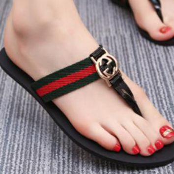 GUCCI 2018 summer new flat with flat slippers women wear flip-flops non-slip clip toe sandals casual slippers