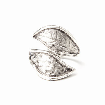 Twisted Leaf Ring