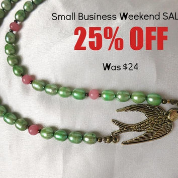 Summer is in the air! Green, pink & gold Bird statement necklace. Freshwater pearls, quartz, antiqued gold jewelry.