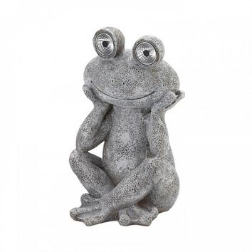 Frog Statue With Solar Light Eyes
