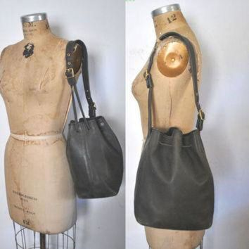 ONETOW Coach Bucket Bag / DISTRESSED black leather drawstring purse tote