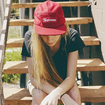 Supreme Hat lovers flat along the hip-hop dance skateboard style Red