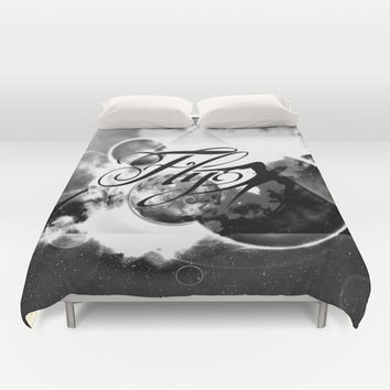 fly away bw Duvet Cover by Haroulita