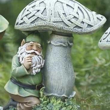 4 Garden Statues - Gnome And Mushroom