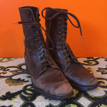 Brown Leather Ankle Boots // Combat // Lace Up // 90s Grunge // 1990s Clothing // Charles David // Womens 5.5 to 6