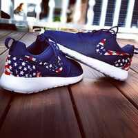 Navy nike roshe run american flag