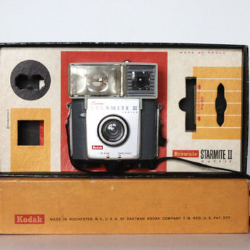 Vintage 60s Kodak Brownie Starmite II Camera Outfit in Original Box | 127 Type Film, Analog | 1960s Photographer Photography Teacher Gift