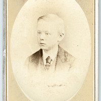 CDV Carte de Visite Photo Victorian Little Boy, Suit & Tie Vignette Portrait - M Guttenberg of Bristol - Antique Photograph
