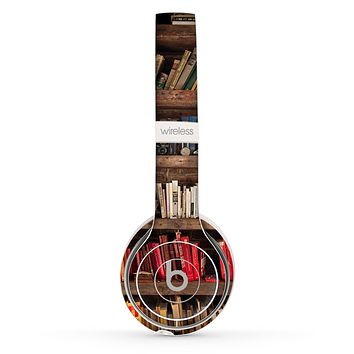 The Vintage Bookcase V1 Skin Set for the Beats by Dre Solo 2 Wireless Headphones