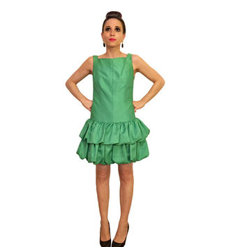 vintage bubble dress in kelly green c. 1980s by abs evening collection / tiered ruffle mini dress