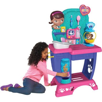 Doc McStuffins Pet Vet Checkup Center
