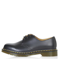 Dr. Martens Classic 8 Eyelet Shoes - Black