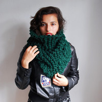 The Manhattan Cowl Hand Knit in Emerald Wool Blend