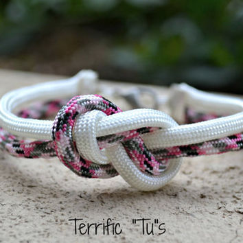Infinity Knot Bracelet- Your Choice of 550 Paracord Color