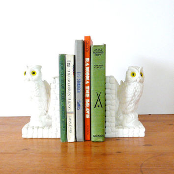 vintage bookends, white owls, mid century, modern, mod, white housewares, yellow eyes, owl decor, den, home office, bookend, library