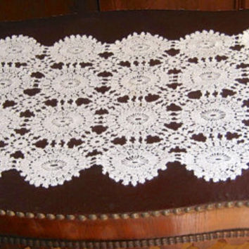 Vintage Dresser Scarf, Crocheted Linens, 34 x 14 Table Runner, Crochet Doily,Rectangular Table Runner, Crocheted Centerpiece, Vintage Linen
