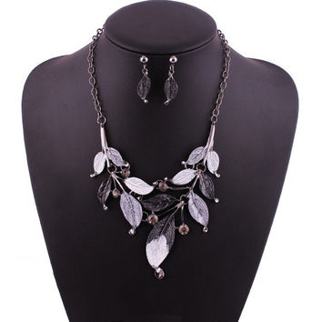 The Sofie Leaf Designed Painted Statement Necklace Set