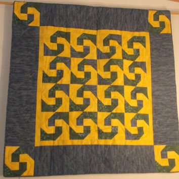 Yellow & Green Spiral Quilt
