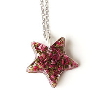 Flower Star Necklace, Dried Red Heather Flowers Resin Pendant, Botanical Jewelry, Resin Jewelry, Heather Jewelry, Floral Jewelry