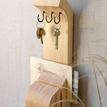 Wooden Key & Mail Holder - Natural