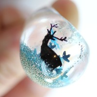 Blue Snow Flake Reindeer Resin Bubble Ring by zougeebean on Etsy