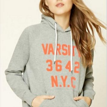 Letter Print Hooded sweater B0016362