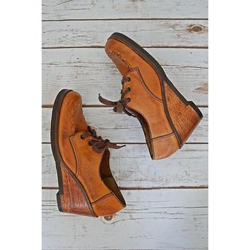 Vintage Luggage Leather  Wood Wedge Shoes | 6