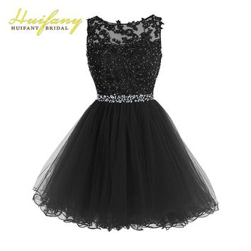 Sweet 16 Short Party Dresses Boat Neck Backless Tulle Puffy Prom Dresses Lace Appliques with Crystal Beadings Keyhole Back Gowns