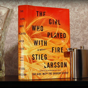 The Girl Who Played with Fire / Stieg Larsson