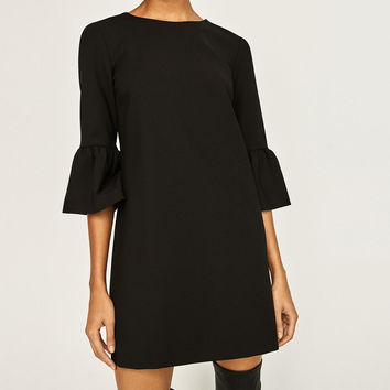 DRESS WITH FRILLED SLEEVESDETAILS