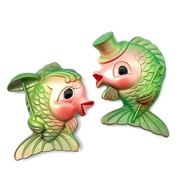 Vintage Miller Studio 1969 Chalkware Fish Couple Pearlized Green and Pink Wall Decor Kissing Fish Wall Plaques Vintage Chalkware