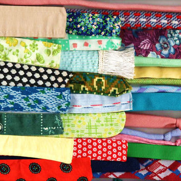 30+ vintage dress sashes, waist ties, belts, all colors, all fabrics, for rug making, fashion design, crafts, art projects, decorating, more