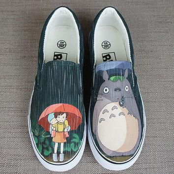 Totoro shoes. Totoro in the rain. Hand painted shoes. Anime Totoro shoes. Anime totoro