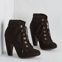 Back in the Sing of Things Bootie in Noir