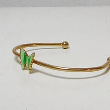 Butterfly Bracelet, Wire Cuff, Open End, Enameled Butterfly, Green Butterfly, Gold Tone, Vintage Hippie Jewelry, 5 inches