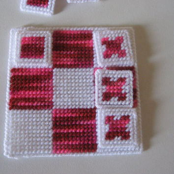 Plastic Canvas Tic Tac Toe Game Pink.